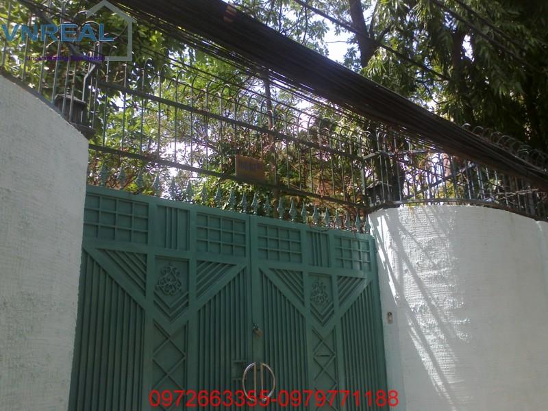 09042012177.jpg_1334112011.jpg